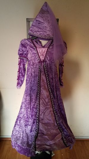 Halloween costume Rapunzel size 7-8 years old for Sale in Los Angeles, CA