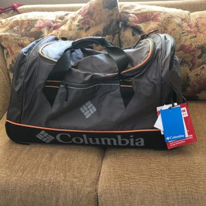 Columbia Travel Duffle Bag/rolling Suitcase for Sale in Fontana, CA