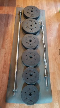 "100lbs weight set, 5 foot standard 1"" barbell, 4 foot standard curl 1"" bar for Sale in Los Angeles,  CA"