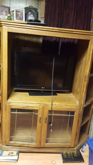 TV stand with shelves for Sale in Claremont, IL