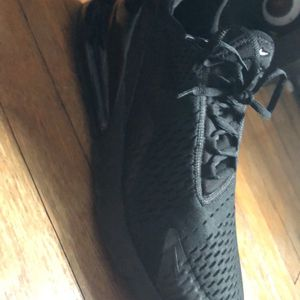 Nike Men's Air Max 270 Size 10.5 for Sale in Branford, CT