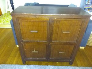Pier 1 console w/ drawers for Sale in Cleveland, OH