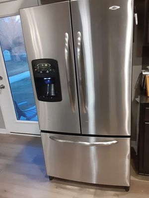 Like new fridge only used for a couple month's works great moving an won't be needing it 500.00 or best offer for Sale in Pleasant Hill, IA