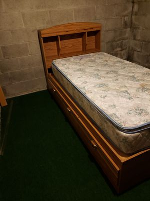 Twin bedroom set for Sale in Erie, PA