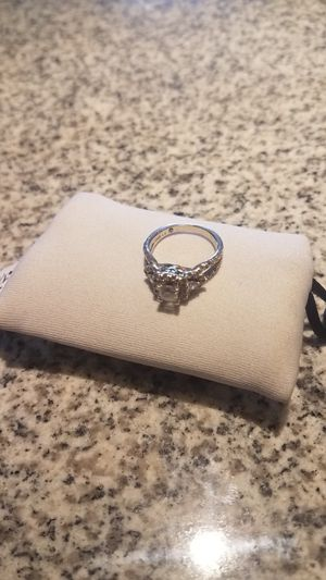 14 kt white gold, Leo diamond 1.26 kt with 52 diamonds GSI certified and appraised see info for Sale in Westminster, CO
