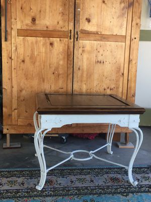 End table for Sale in Chula Vista, CA