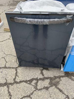 """24"""" NEW FRIGIDAIRE DISHWASHER BLACK STAINLESS STEEL WITH ONE YEAR WARRANTY for Sale in Lake Ridge, VA"""