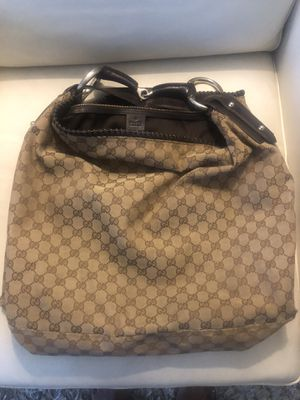 Authentic Gucci hobo handbag for Sale in Daly City, CA