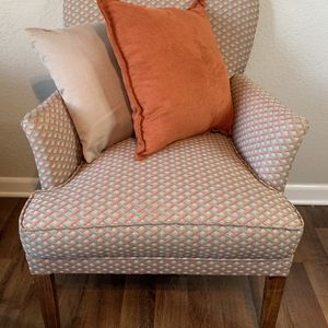 Vintage Arm Chair for Sale in Orlando, FL
