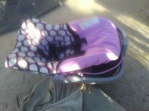 Car seats infant for Sale in Sierra Vista, AZ