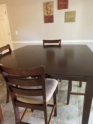 Kitchen table and chairs for Sale in Skiatook, OK