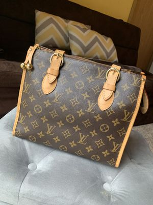Authentic Louis Vuitton 👜🖤🧡 for Sale in Puyallup, WA