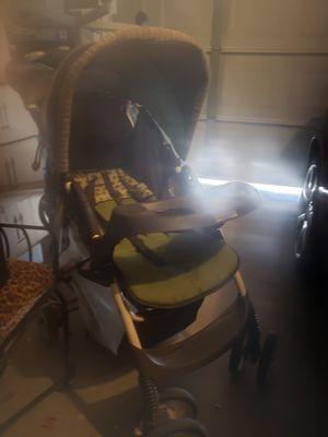 Baby stroller for Sale in Lake Elsinore, CA