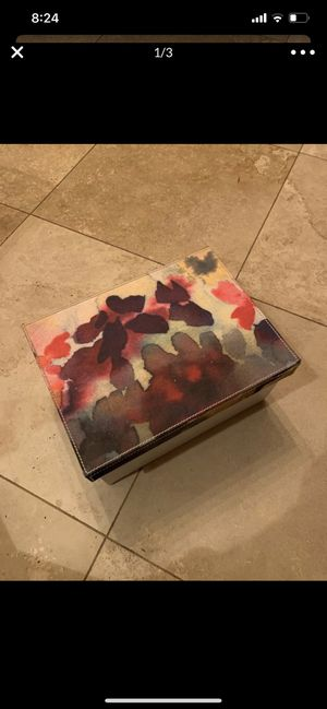 Muted floral photo box, faux white leather & satin for Sale in New Port Richey, FL