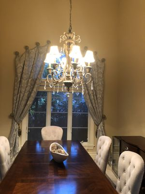 Dining chandelier light fixture for Sale in Lake Worth, FL