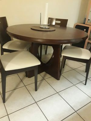 real wood dining table for Sale in Pembroke Pines, FL