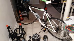 SCHWINN, Road Bike (excellent condition) for Sale in Marlow Heights, MD