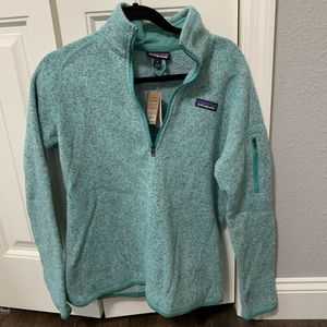 Size medium Patagonia pullover. Never worn for Sale in Gonzales, LA
