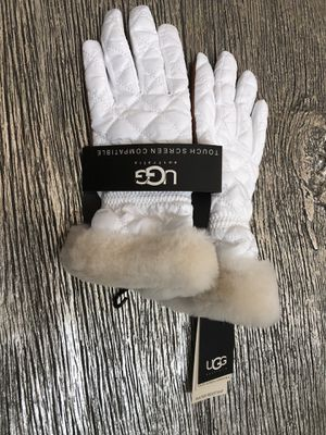 UGG Gloves NEW with tags for Sale in Maricopa, AZ