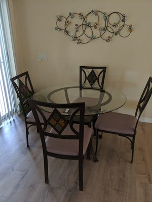 Dining table, 4 metal chairs and 2 matching stools for Sale in Port Charlotte, FL
