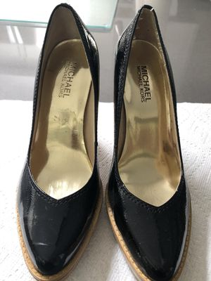 Michael Kors Black Patent Wood Block Heels Sz 6.5 for Sale in Paradise Valley, AZ