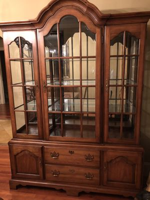 Thomasville 11 pc dinning room set for Sale in Greensboro, NC