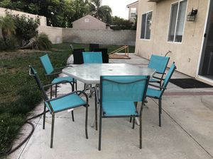 Patio Table and chairs. for Sale in Fontana, CA