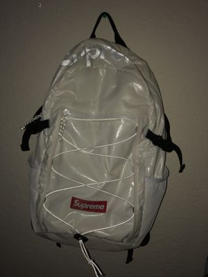 Supreme bag white fw17 for Sale in Kissimmee, FL