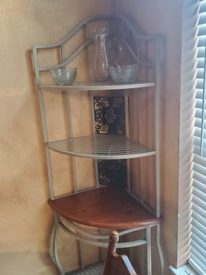 Corner Dining/Breakfast Shelf - Used for Sale in Humble, TX