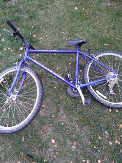 Schwinn mountain bike for Sale in Wenatchee,  WA