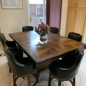 Dining Table + Chairs for Sale in San Marcos, CA
