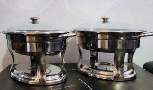 Two 4.2 quart stainless steel oval chafing dish for Sale in Miami, FL