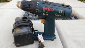 Bosch cordless drill with charger (no battery) for Sale in Fresno, CA