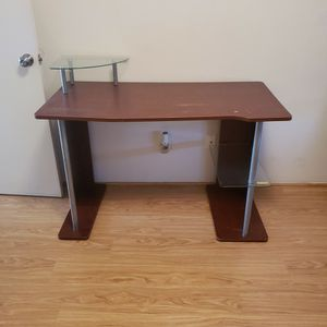 Desk for Sale in Albuquerque, NM