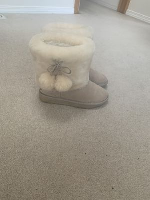 Warm, nearly new, size 8 snow boots! for Sale in Lake Stevens, WA