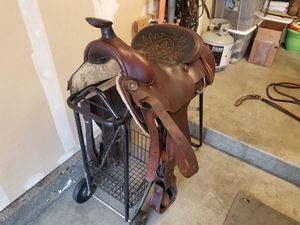 15 inch western saddle for Sale in San Clemente, CA