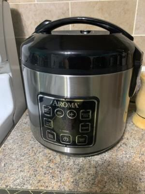 Aroma rice cooker for Sale in West Richland, WA