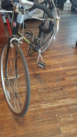 World sport schwinn bike for Sale in Bloomington, IL