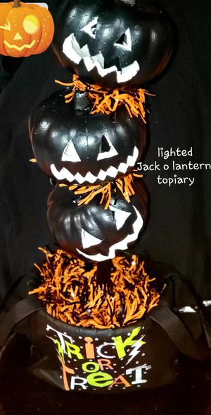 Halloween Lighted Jack o lantern topiary for Sale in Spring Hill, FL