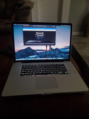 Macbook pro 17 inch for Sale in Riverside, CA