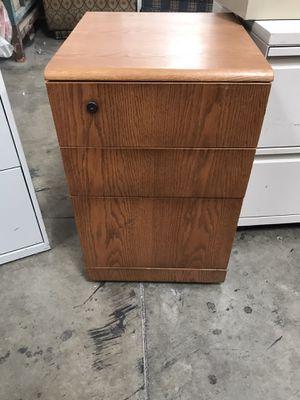 File Cabinet / 3 Drawer for Sale in Sacramento, CA