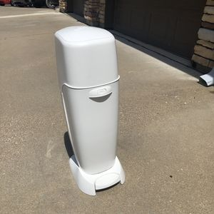WHITE DIAPER GENIE for Sale in Fort Worth, TX