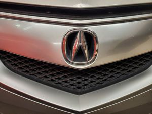 Acura mdx 2007 to 2013 hood and grill for Sale in Santa Ana, CA