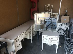 Vintage beautiful bedroom set for Sale in Chico, CA