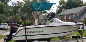 Boat Bayliner Trophy for Sale in Alpharetta, GA