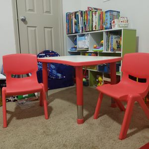 Kids Table with 2 chairs for Sale in Houston, TX