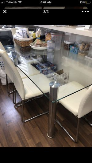 Glass and chrome dinning / table table for Sale in Los Angeles, CA