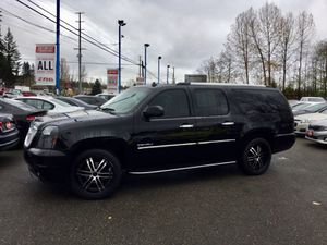 2010 GMC Yukon XL for Sale in Lynnwood, WA
