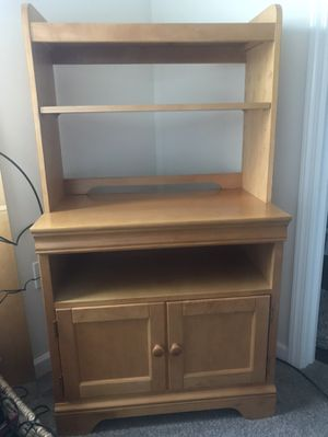 TV stand with removable hutch for Sale in Export, PA