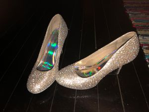 Silver sparkle heels for Sale in McKees Rocks, PA